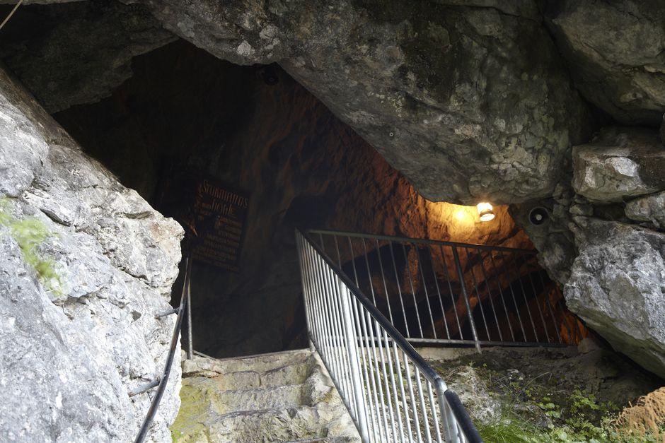 Sturmannshöhle Eingang  , Kur- und Tourismusbüro Oy-Mittelberg