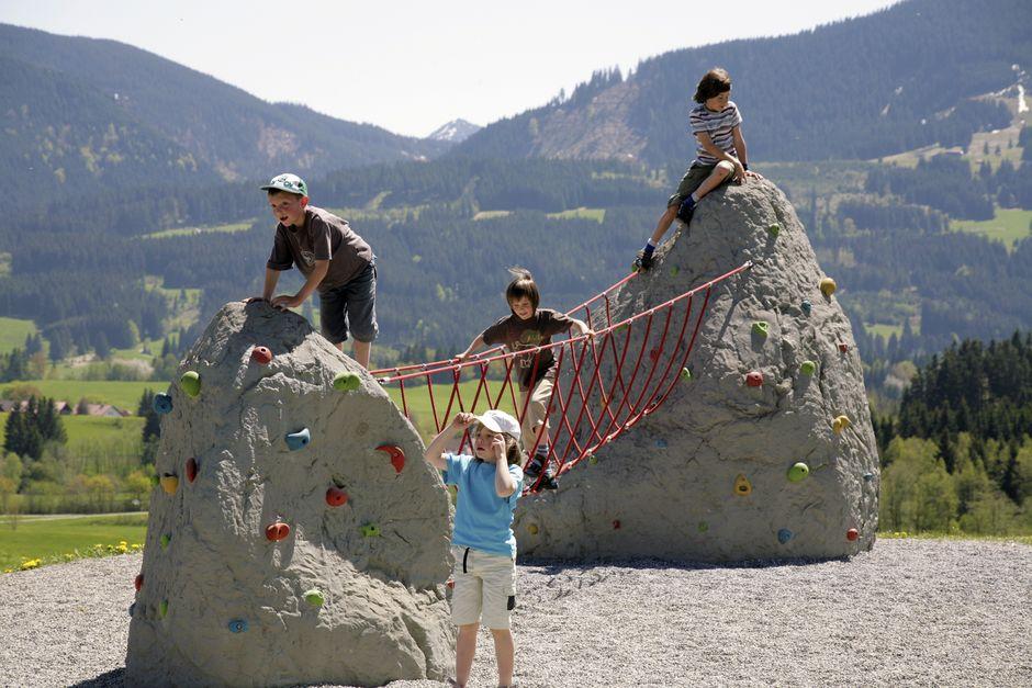 Kinderspielplatz Oy am Kurhaus  - © EHME Mediendesign , Kur- und Tourismusbüro Oy-Mittelberg