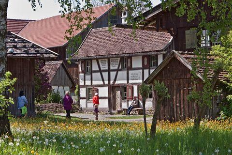 Altes Museumsdorf  - © Tanja Kutter/Bauernhofmuseum , Kur- und Tourismusbüro Oy-Mittelberg