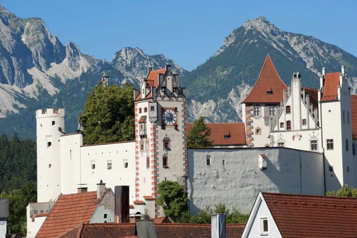 Füssen im Allgäu: Das Hohe Schloss ist das Wahrzeichen der Stadt  - © Füssen Tourismus und Marketing / Andreas Hub , Kur- und Tourismusbüro Oy-Mittelberg