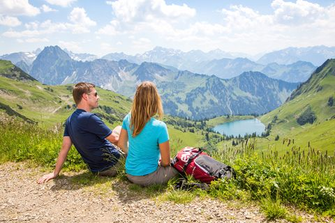 Rast mit Blick auf den Seealpsee  - © Oberstdorf / Kleinwalsertal Bergbahnen; Fotograf: Alex Savarino , Kur- und Tourismusbüro Oy-Mittelberg