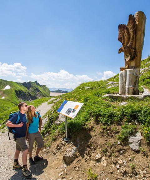 Auf dem Höfatsweg  - © Oberstdorf / Kleinwalsertal Bergbahnen; Fotograf: Alex Savarino , Kur- und Tourismusbüro Oy-Mittelberg