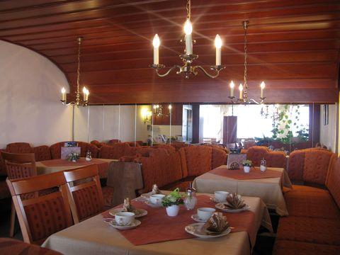 Innenbereich Café Gebath  , Kur- und Tourismusbüro Oy-Mittelberg