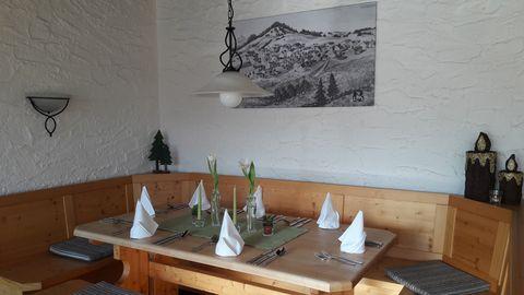 Tischgedeck  , Kur- und Tourismusbüro Oy-Mittelberg