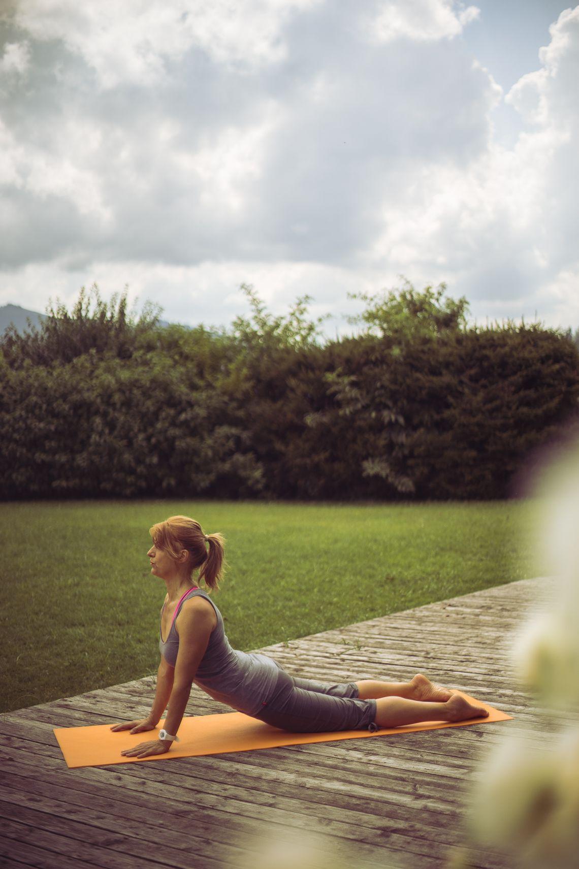 Die Mittelburg Yoga Garten  - © Thomas Mayr , Kur- und Tourismusbüro Oy-Mittelberg