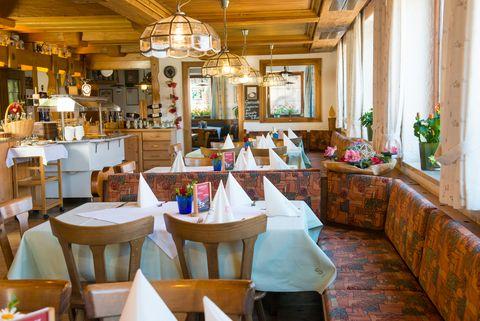 Gasthof Rose Gastraum Restaurant  - © Hotel Gasthof Rose / Alfred Endres , Kur- und Tourismusbüro Oy-Mittelberg