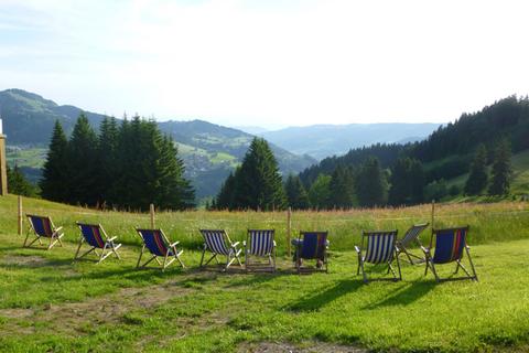 Herrliche Aussicht an der Hündle Berggaststätte  - © Hündle Erlebnisbahnen , Kur- und Tourismusbüro Oy-Mittelberg