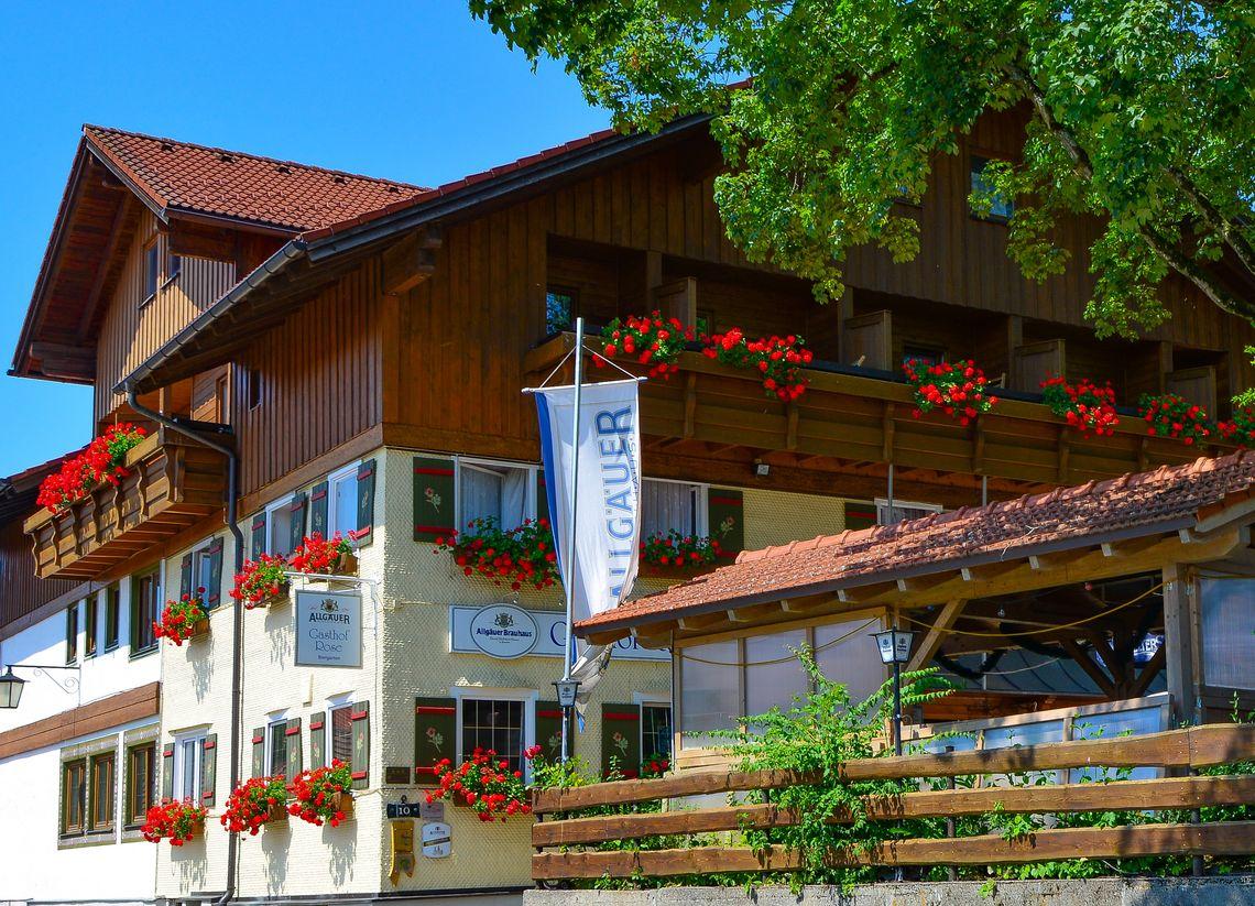 Gasthof Rose Außenansicht  - © Hotel Gasthof Rose / Alfred Endres , Kur- und Tourismusbüro Oy-Mittelberg