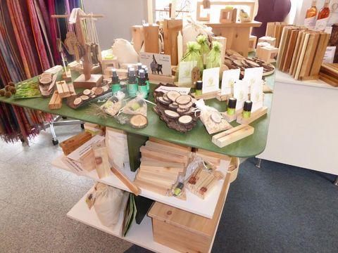 Zirbenholz Produkte  - © Christina Frommknecht , Kur- und Tourismusbüro Oy-Mittelberg