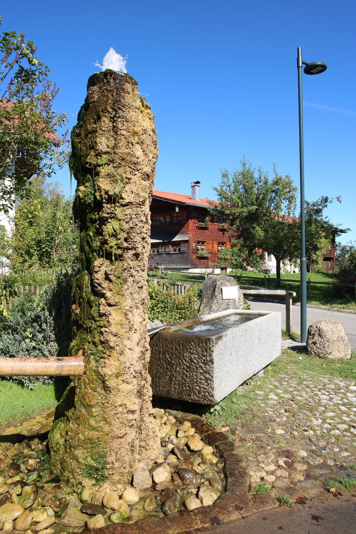 Brunnenstock in Faistenoy  - © Gabriele Postner , Kur- und Tourismusbüro Oy-Mittelberg