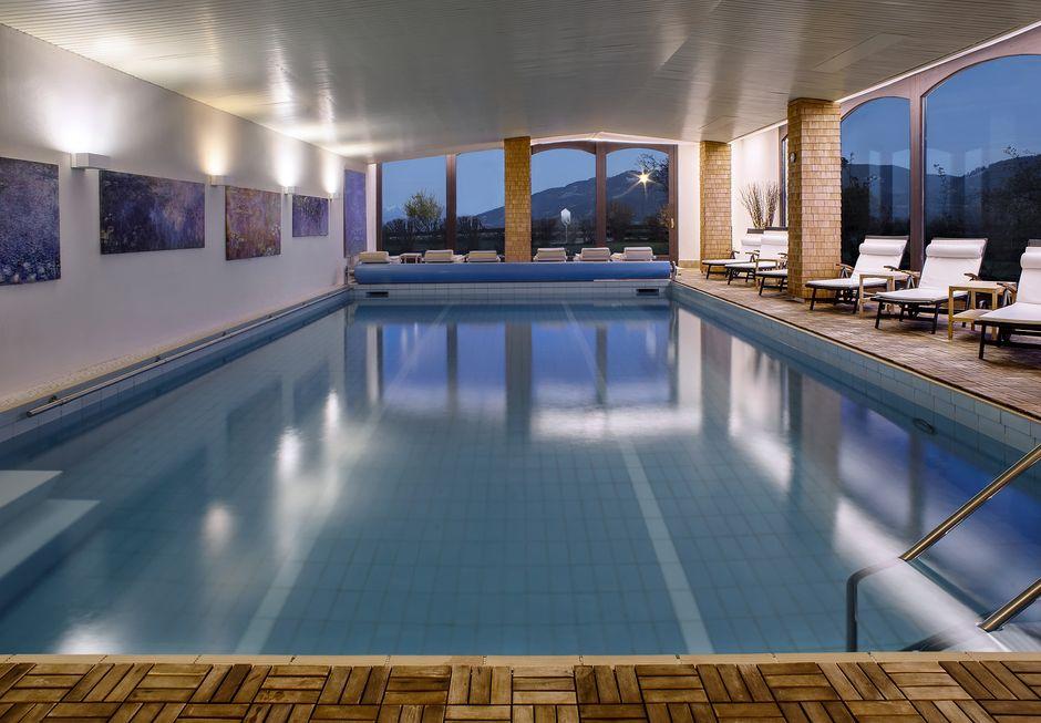 Die Mittelburg Pool Night  - © Thomas Mayr , Kur- und Tourismusbüro Oy-Mittelberg