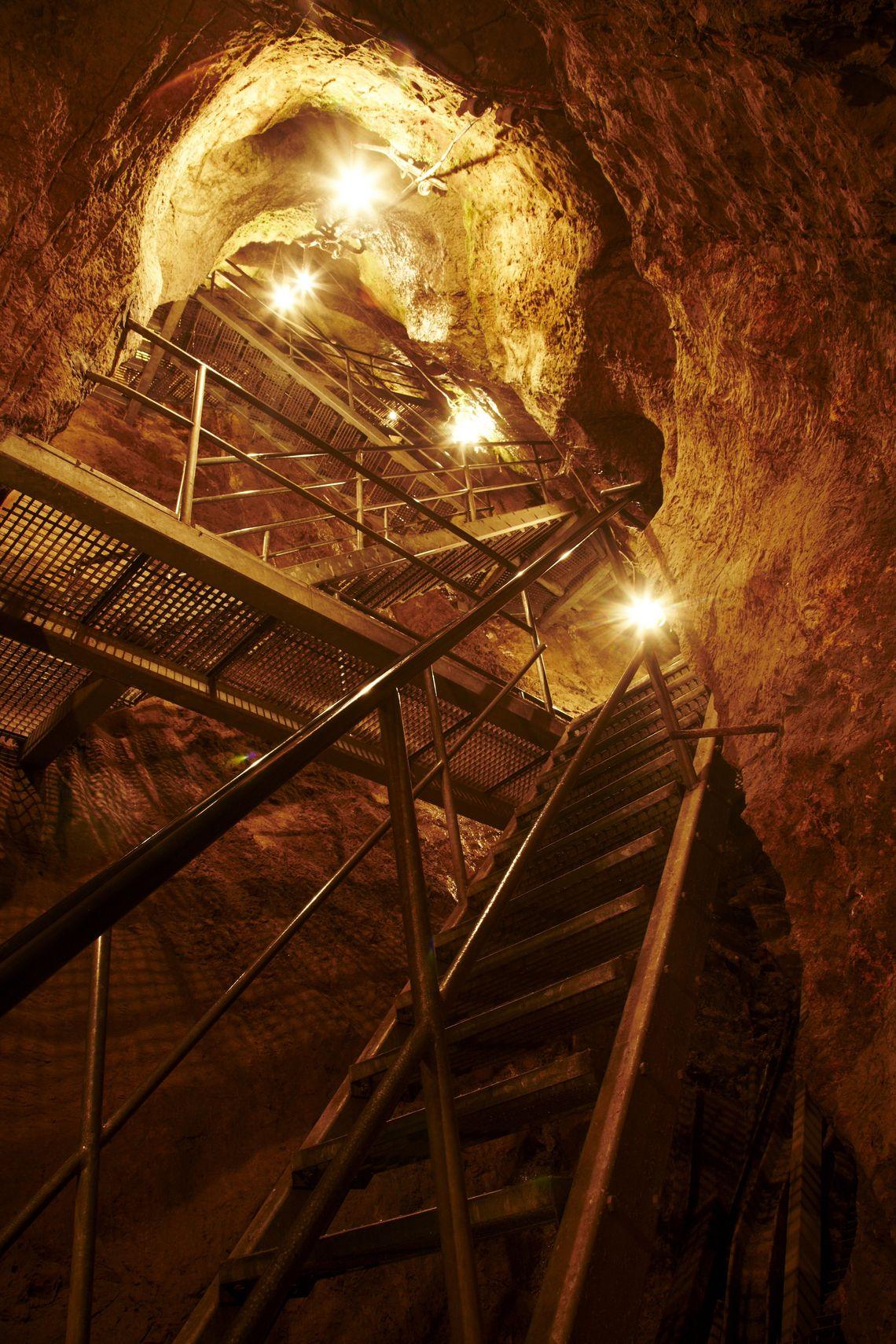 Sturmannshöhle  , Kur- und Tourismusbüro Oy-Mittelberg