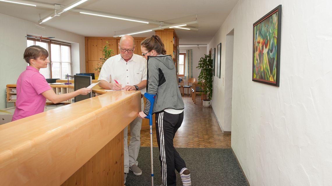 Praxis Dr. Scheuringer  , Kur- und Tourismusbüro Oy-Mittelberg
